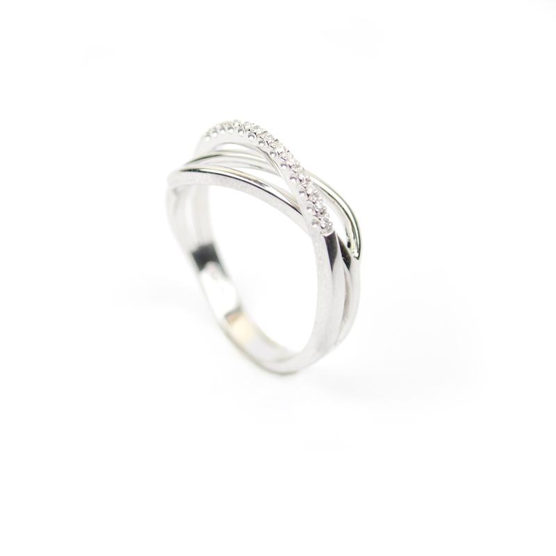nuovo prodotto fae02 49035 Anello donna intrecciato in oro bianco con diamanti
