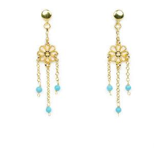 Orecchini fiore in oro giallo e perle turchesi; orecchini perno e farfallina pendenti in oro giallo tit 750 (18 kt)