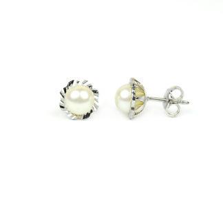 Perle oro bianco; perle coltivate acqua dolce mm 6 su montatura diamantata in oro bianco 750; orecchini sposa classici eleganti raffinati