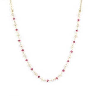 Collana rubino e perle girocollo donna in oro giallo tit 750 (18 kt), con centrale composto da radice di rubino alternate a perle a rondella