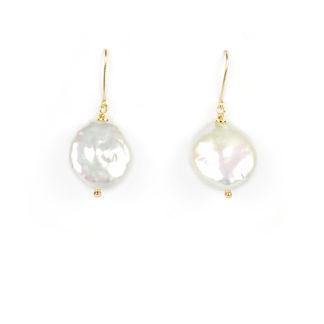 Orecchini perla coin pendenti ad amo; orecchini donna ad amo in oro giallo tit 750 (18 kt) con perla coin tonda e piatta diametro 17 mm