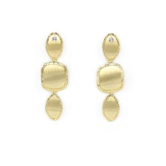 Orecchini pendenti satinati oro giallo tit 750 (18 kt)elementi di due forme diverse, leggermente curvi, sottili in oro giallo con bordo diamantato