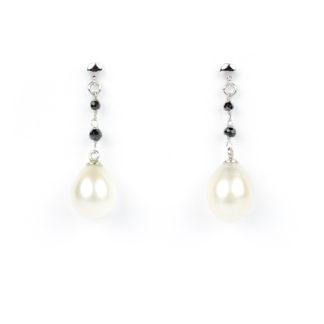Orecchini perla a goccia e spinello nero (pietre naturalinere); perno e farfallina in oro bianco tit 750 (18 kt); perla coltivata acqua dolce