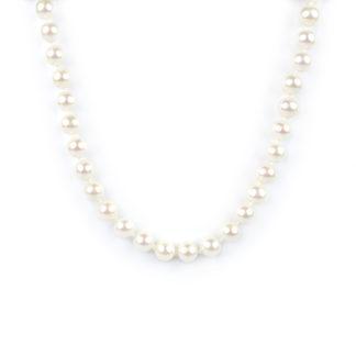 Collana girocollo perle coltivate acqua dolce, misura mm 7,5 - 8 con chiusura in oro giallo tit 750 (18 kt), infilata a mano con nodi ad ogni perla