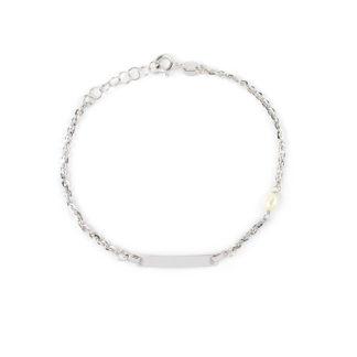 Bracciale battesimo oro perla, braccialetto in oro bianco 750 lucido con targhetta leggermente curva e con una perla coltivata acqua dolce