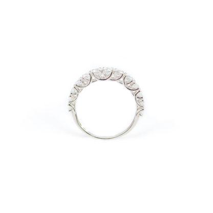 Fedina a scalare oro, anello fedina donna in oro bianco 750 con zirconi a scalare, larghezza massima 3,24 mm; misura anello 12
