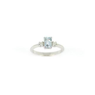 Anello acquamarina diamanti oro, anello in oro bianco 750 con acquamarina rettangolare 4,20 x 6 mm ct 0,55, e diamanti GVS ct 0,08; misura anello 14